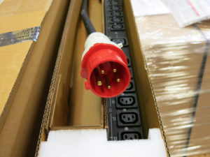 3 phase power distribution unit's power cord plug